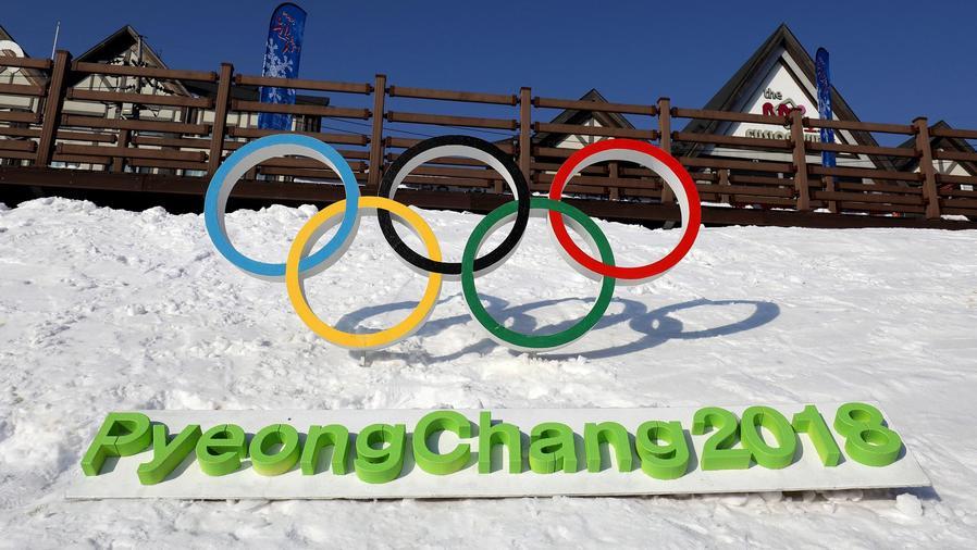 Anillos olímpicos en la nieve