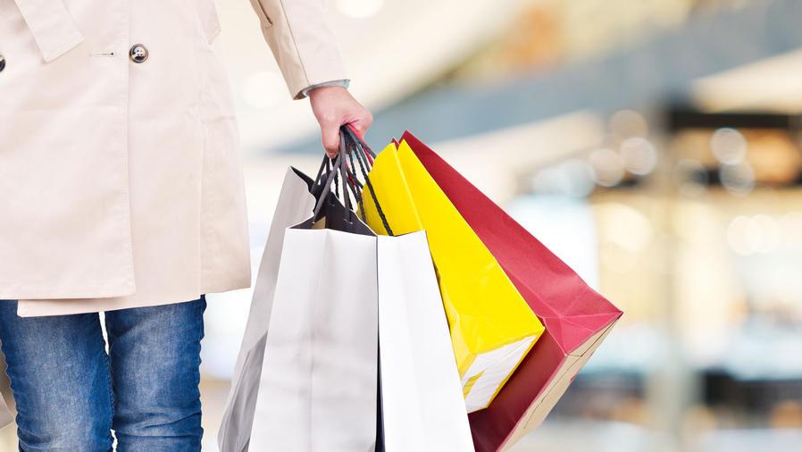 Mujer de shopping
