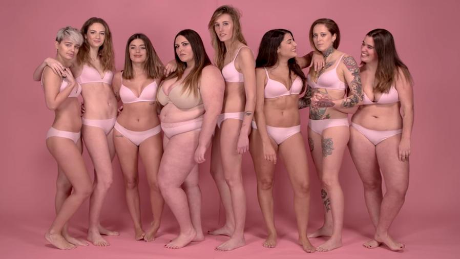 Mujeres en video de YouTube