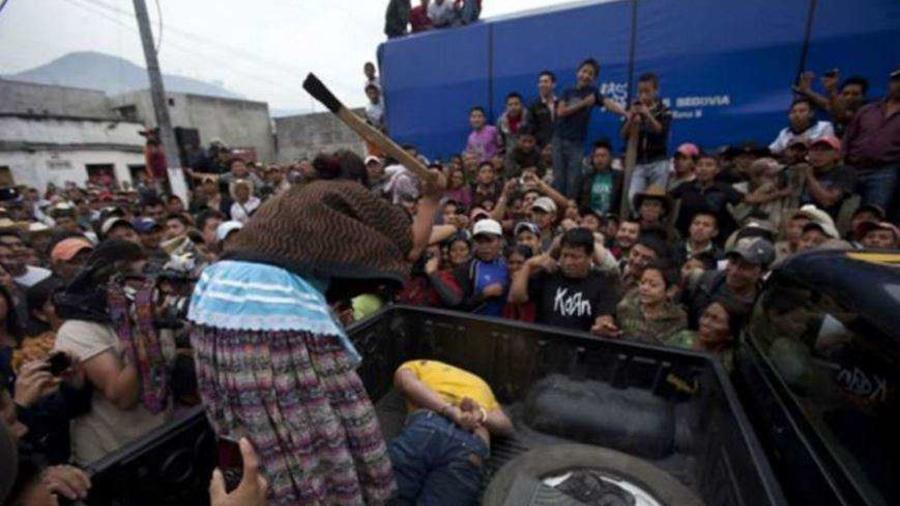 Linchan presuntos ladrones en México