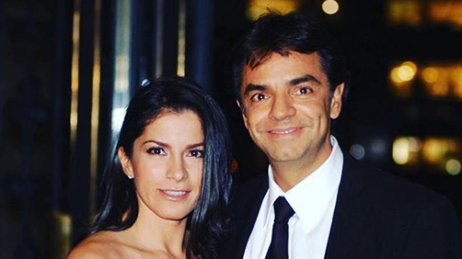 Alessandra Rosaldo y Eugenio Derbez posando