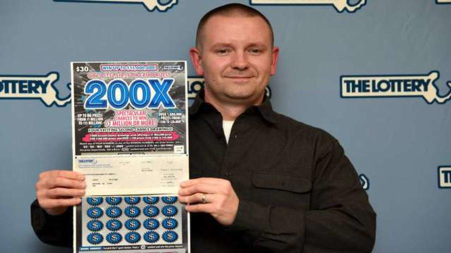 Jason William gana su segundo millón. Lotería de Massachusetts