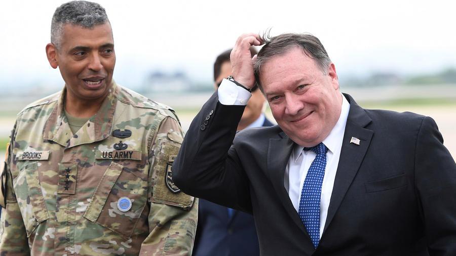 Secretario de Estado de EEUU, Mike Pomeo, a su llegada a Corea del Sur
