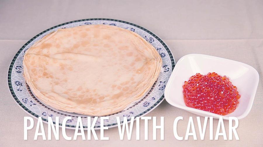 latinos_try_russian_food_breakfast