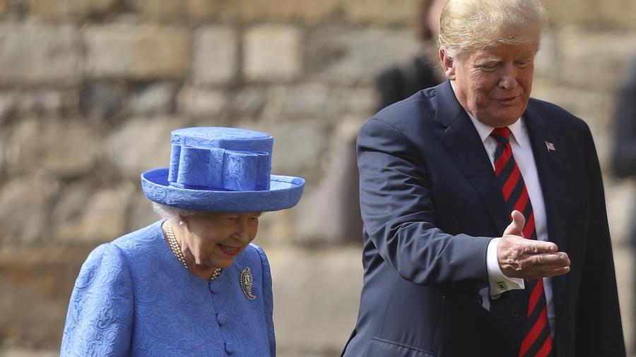 Isabel II y Trump, el pasado viernes en el castillo de Windsor.
