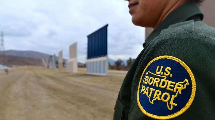 El plan es ayudar al presidente Trump a pagar su muro fronterizo.