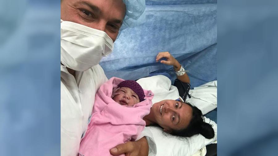 Jeremy Bieber con su esposa e hija
