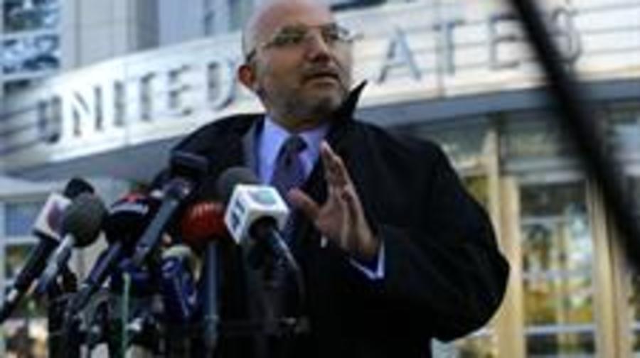 Eduardo Balarezo, abogado del narcotraficante Joaquín Guzmán, en conferencia de prensa este lunes en Nueva York