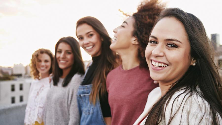 mujeres solteras felices