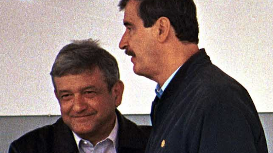 Foto de archivo del presidente de México, Andrés Manuel López Obrador, y el ex presidente mexicano Vicente Fox