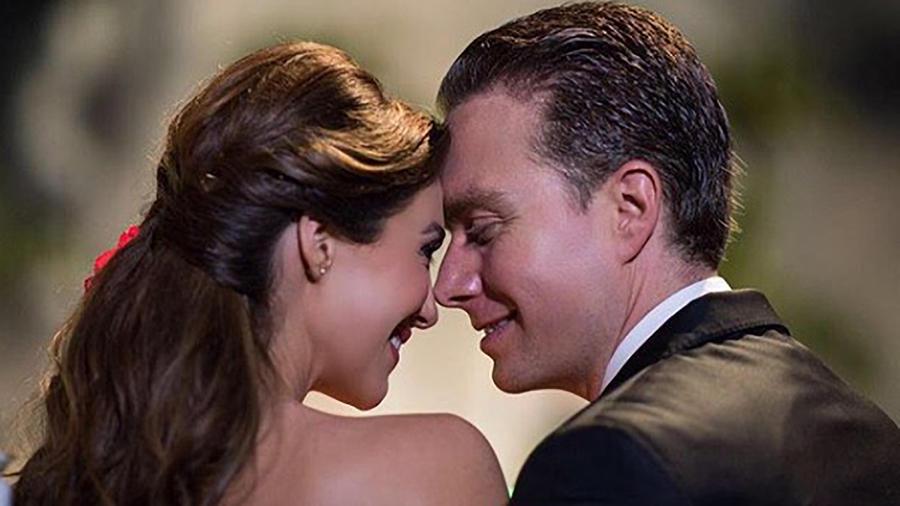 Anahí y su esposo Manuel Velasco