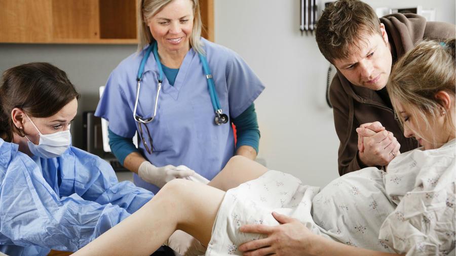Mujer en labor de parto
