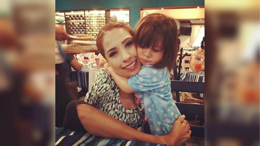 Adriana Macías y su hija