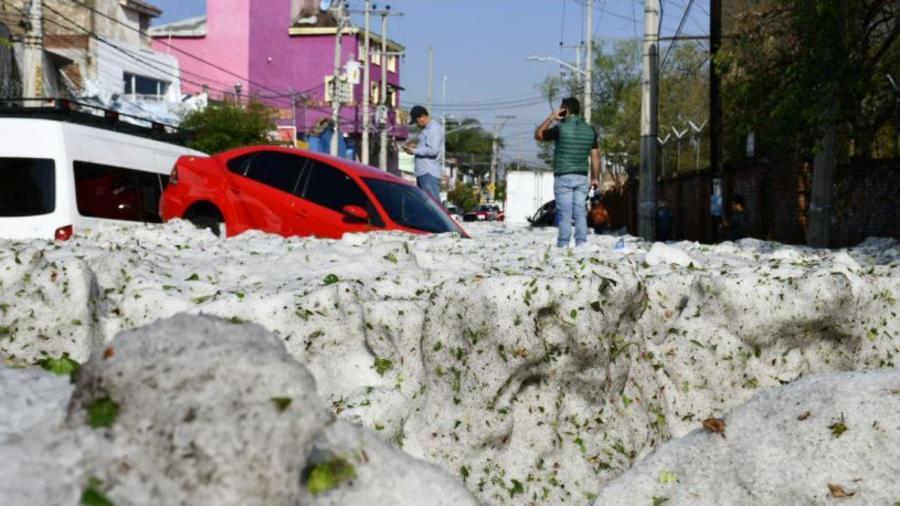 Imágenes compartidas por el Gobernador de Jalisco, Enrique Alfaro, sobre la granizada en el estado de Jalisco.