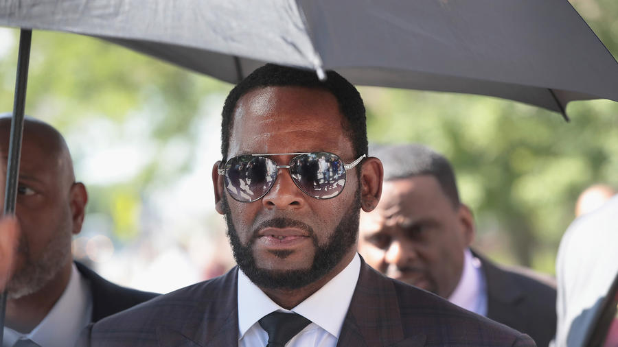 R. Kelly Has Been Arrested in Chicago on Child Pornography. Here's What We Know