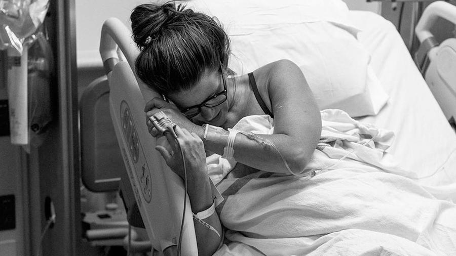Madre en agonía