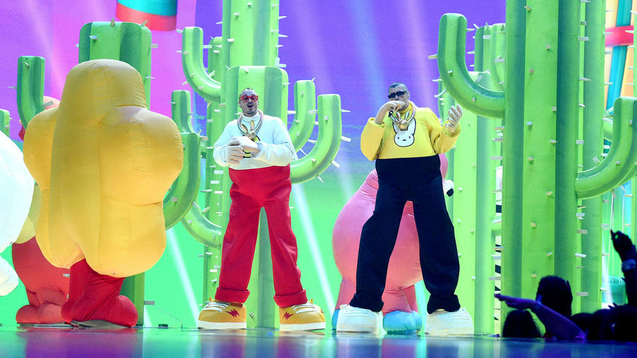 2019 MTV VMAs: Rosalía, CNCO, Bad Bunny and J Balvin Took Over the Stage