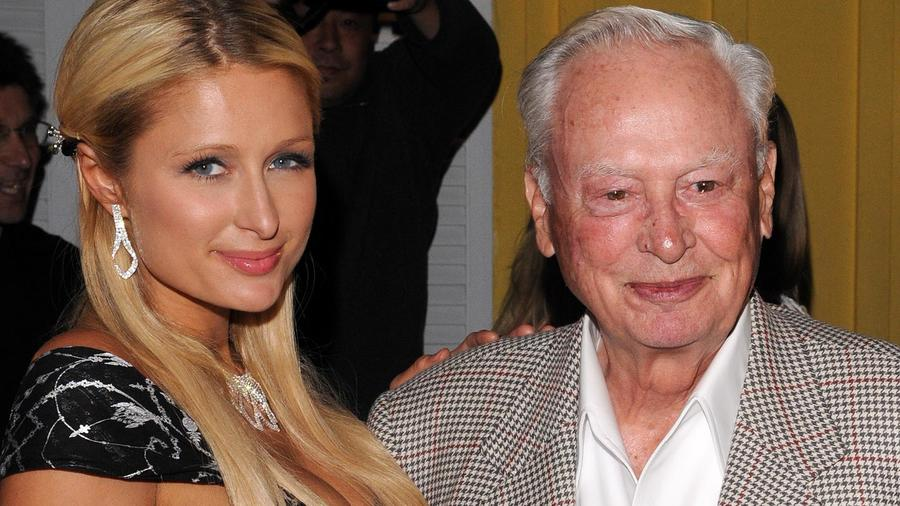 Paris Hilton and Barron Hilton en 2010