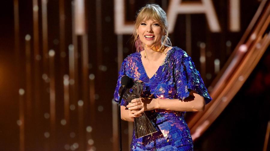 Tayor Swift iHeartRadio Music Awards 2019