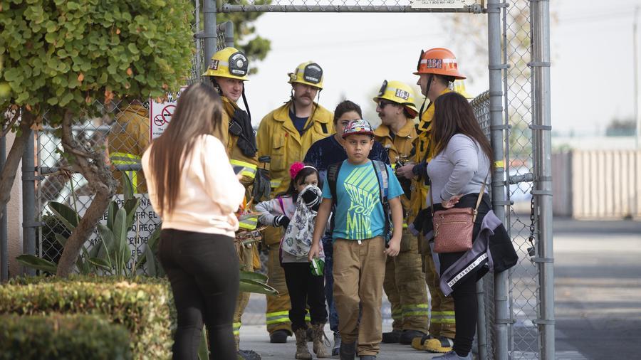 Bomberos evacúan la primaria de Park Avenue en Cudahy