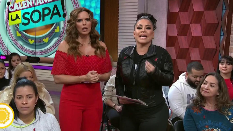Carolina Sandoval y Rashel Díaz