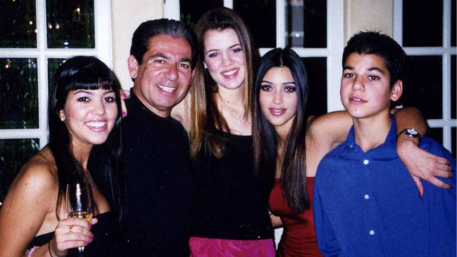 Robert Kardashian con sus hijos