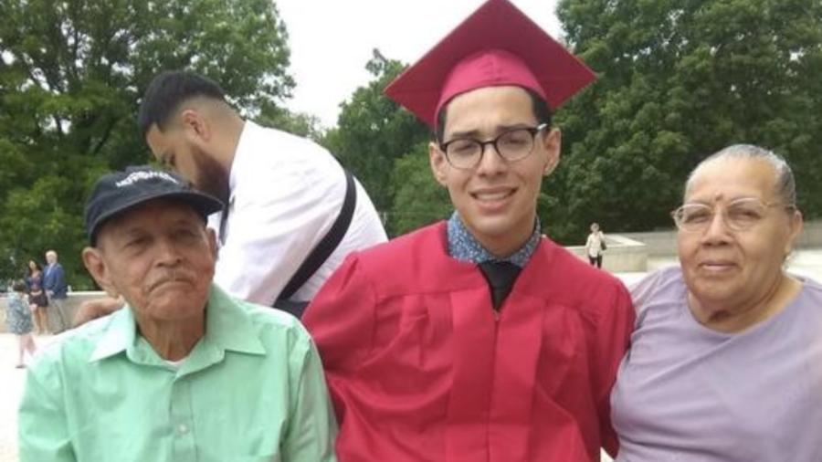 El inmigrante salvadoreño, Valeriano Hernández Bonilla (izquierda), falleció por complicaciones de salud el pasado 15 de mayo,