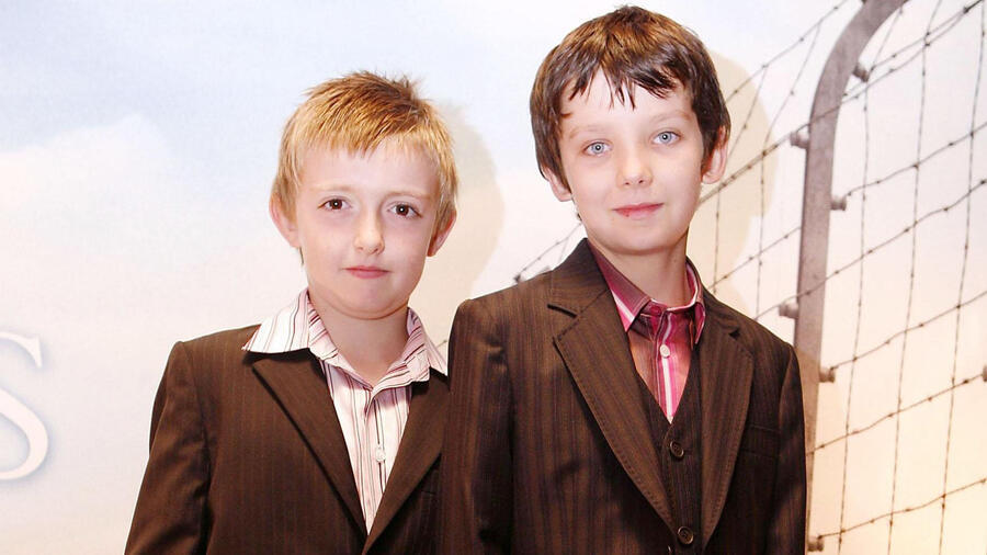 Jack Scanlon y Asa Butterfield