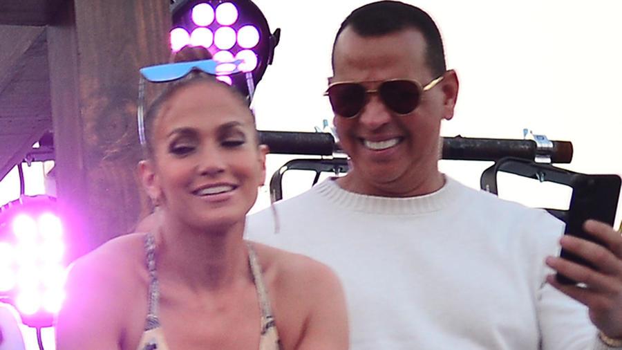 Jennifer Lopez y Alex Rodriguez en la pegasus World Cup