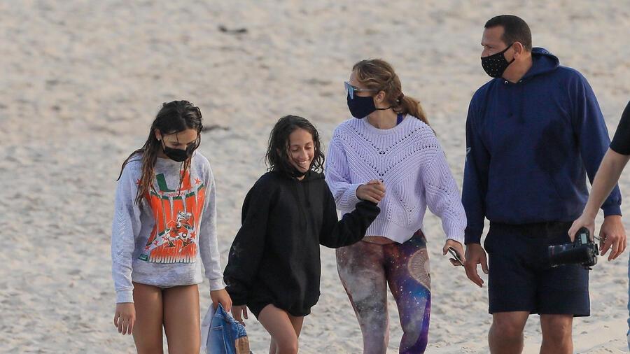 Jennifer Lopez, Alex Rodriguez, en la playa