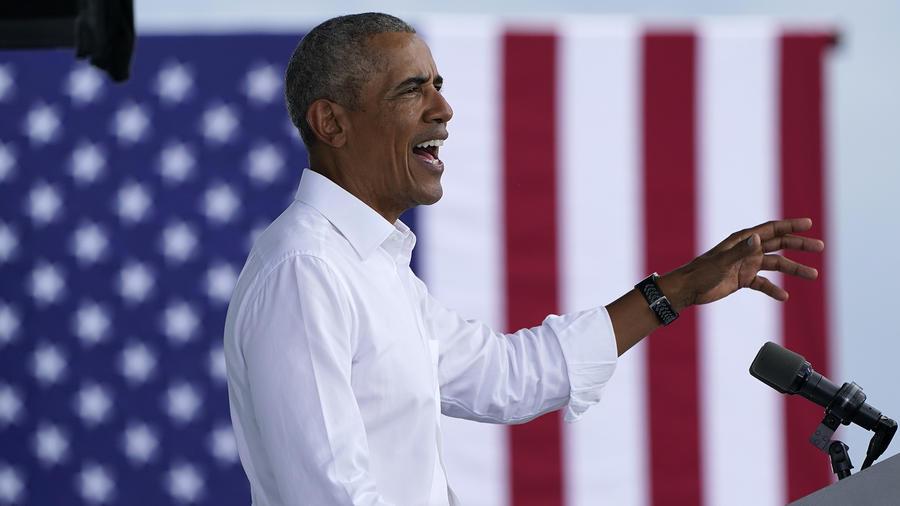 El expresidente Barack Obama durante un acto de campaña por Joe Biden en Miami, Florida.