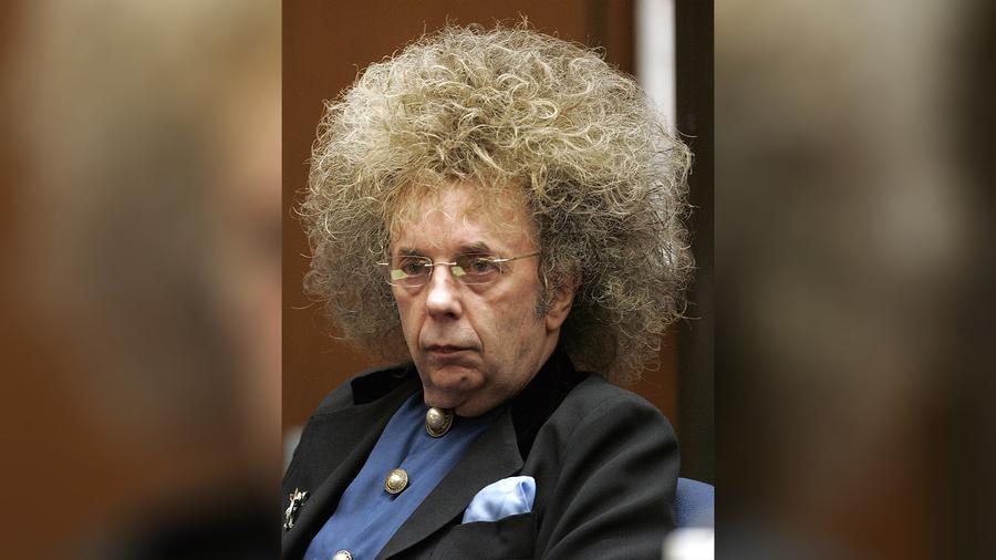 Fotografía de archivo del 23 de mayo de 2005 del productor de música Phil Spector durante su juicio en la Corte Superior de Los Ángeles.