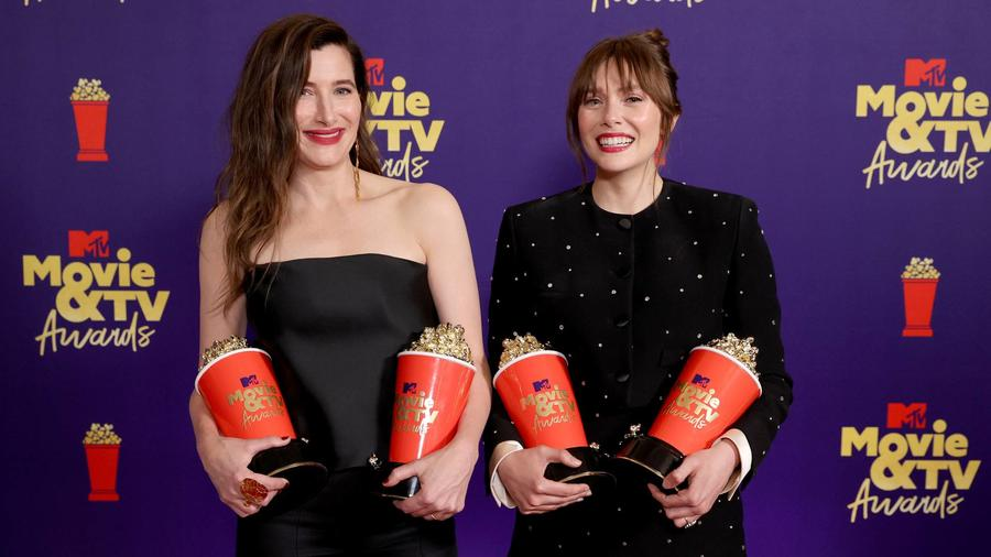Kathryn Hahn y Elizabeth Olsen, ganadoras en los MTV Movie & TV Awards 2021