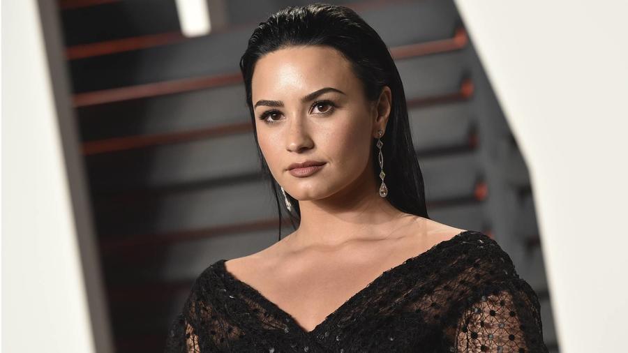 Demi Lovato Vanity Fair Oscar Party 2016