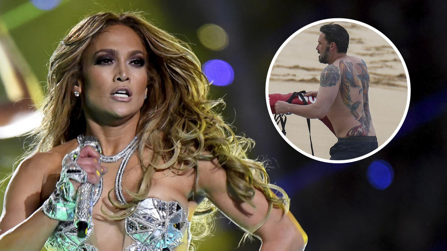 Jennifer Lopez y Ben Affleck, tatuaje de fénix en la espalda.