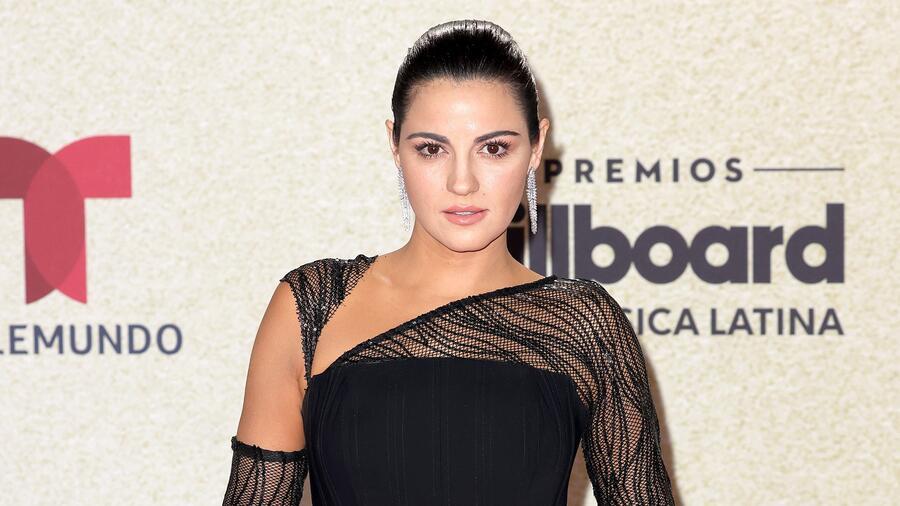 Maite Perroni en la alfombra roja de los Premios Billboard de la Música Latina 2021