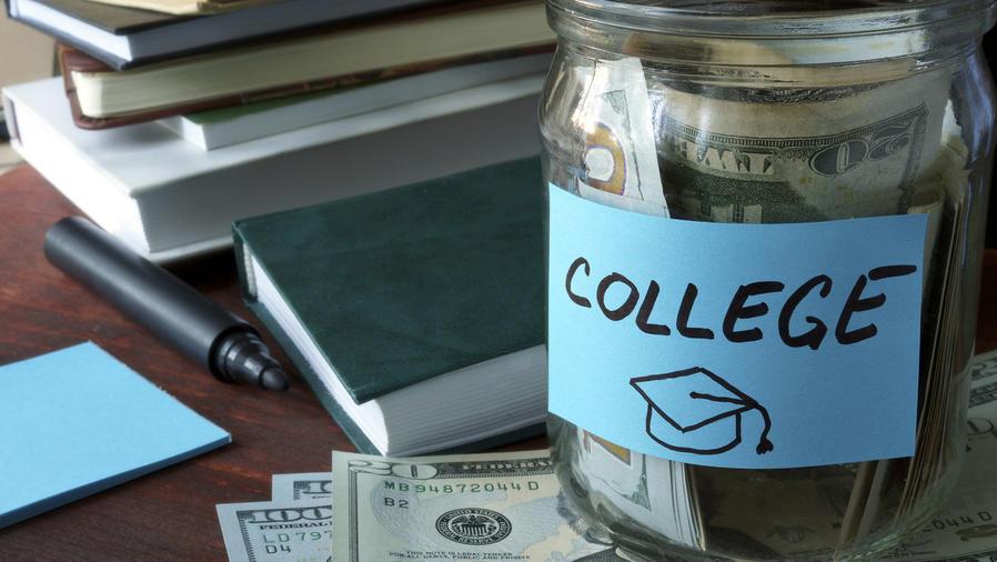 Dinero para college
