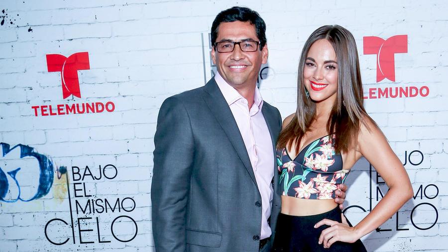 Gabriel Porras y María Elisa Camargo en el estreno de Bajo el Mismo Cielo