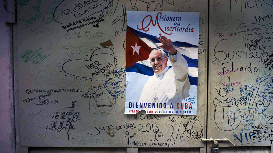 papa francisco poster cuba