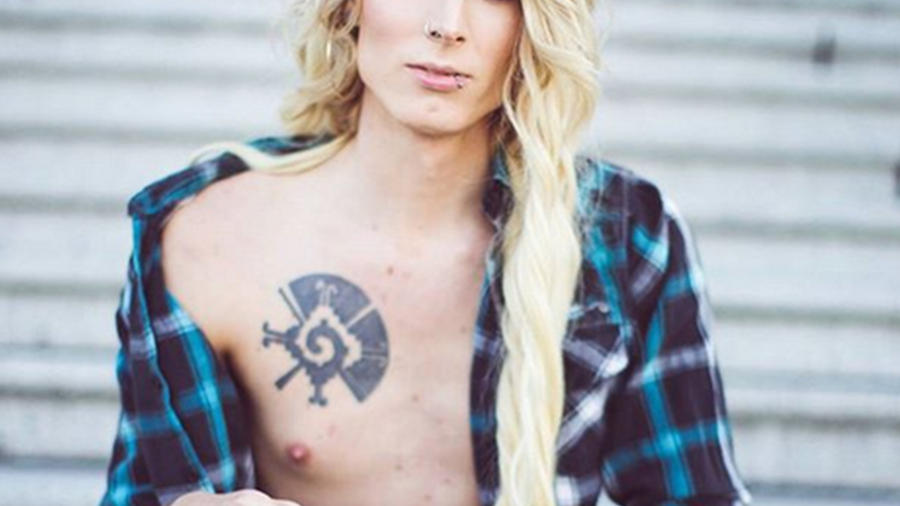 Courtney Demone, el transexual que dasafia las redes sociales
