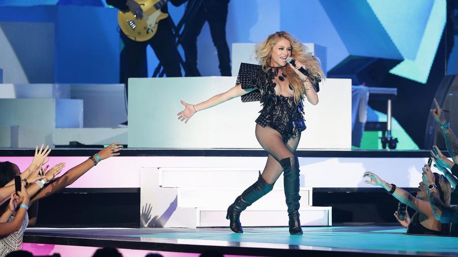 Paulina Rubio en los Premios Billboard de la Musica Latina - 2016