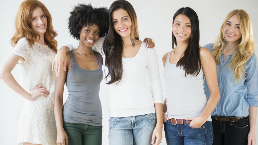 Mujeres de distintas nacionalidades