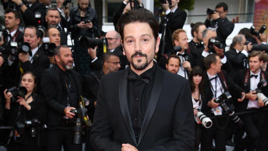 """Diego Luna en Cannes 2019, en la proyección de """"La Belle Epoque"""""""