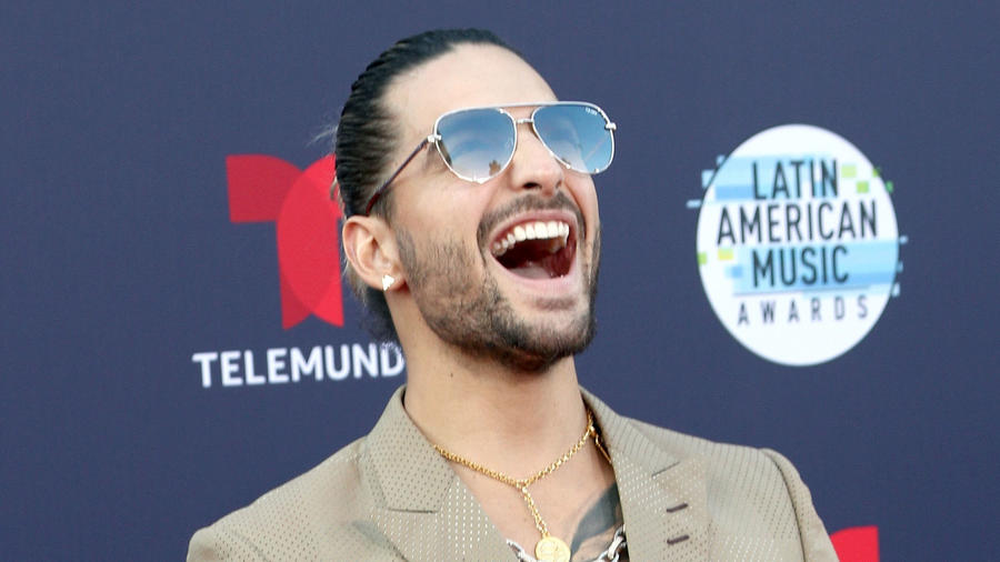 Maluma y su look en los Latin American Music Awards 2018