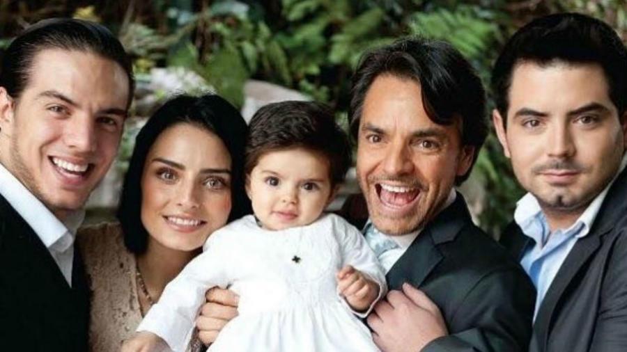 Eugenio Derbez con sus hijos Vadhir, Aislinn, Aitana y José Eduardo