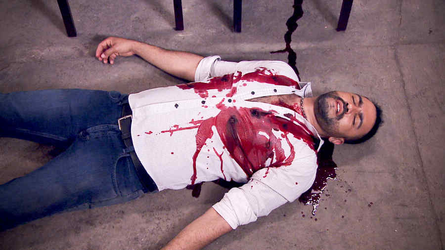 Enrique Vidal es un hombre muerto ensangrentado en Los Miserables