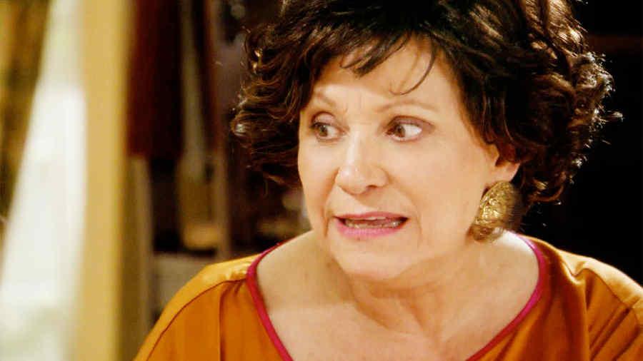 Adriana Barraza, Irene Medrano, gritando, Dueños del Paraíso