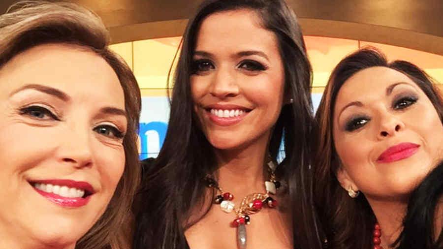 Kary Musa junto a Neida Sandoval y Laura Flores