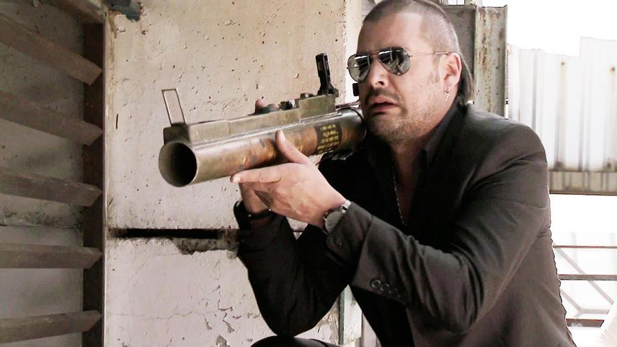 Tommy Vasquez, Tijeras, disparando bazuca, El Señor de los Cielos Tercera Temporada