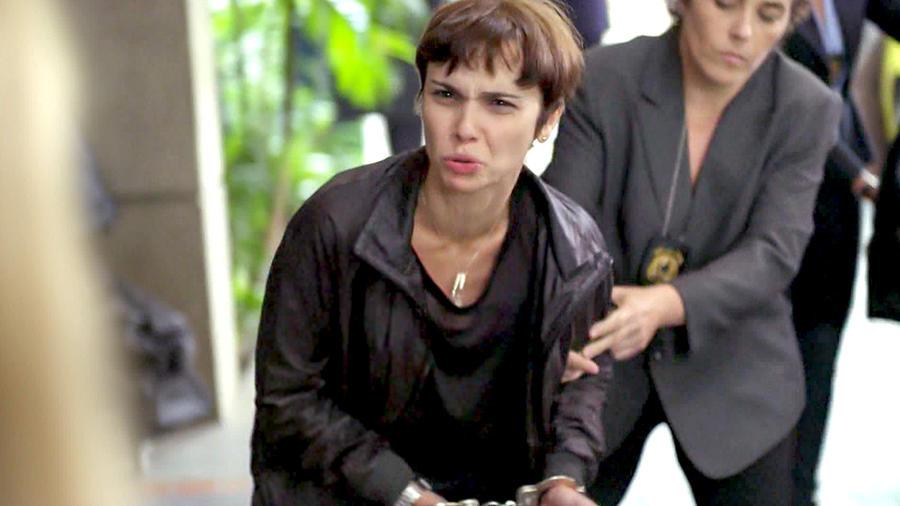 Debora Falabella arrestada en Avenida Brasil